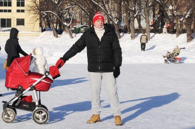 Только 2,5% мужчин в России берут отпуск по уходу за ребенком