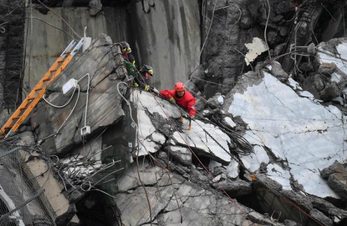 Причиной обрушения моста в Генуе стал человеческий фактор