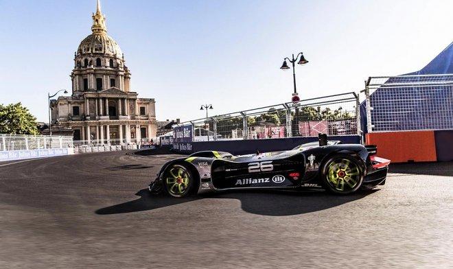 Гоночный болид-беспилотник Robocar прокатился по парижской трассе