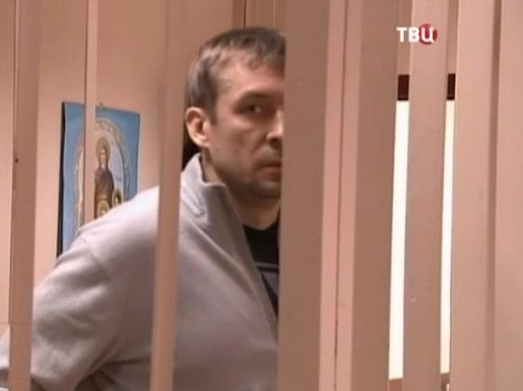 Установлено, что за средства хранил полковник Захарченко