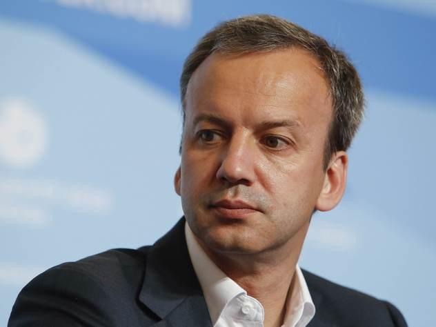 Дворкович связал подорожание бензина с «пересменкой в правительстве»