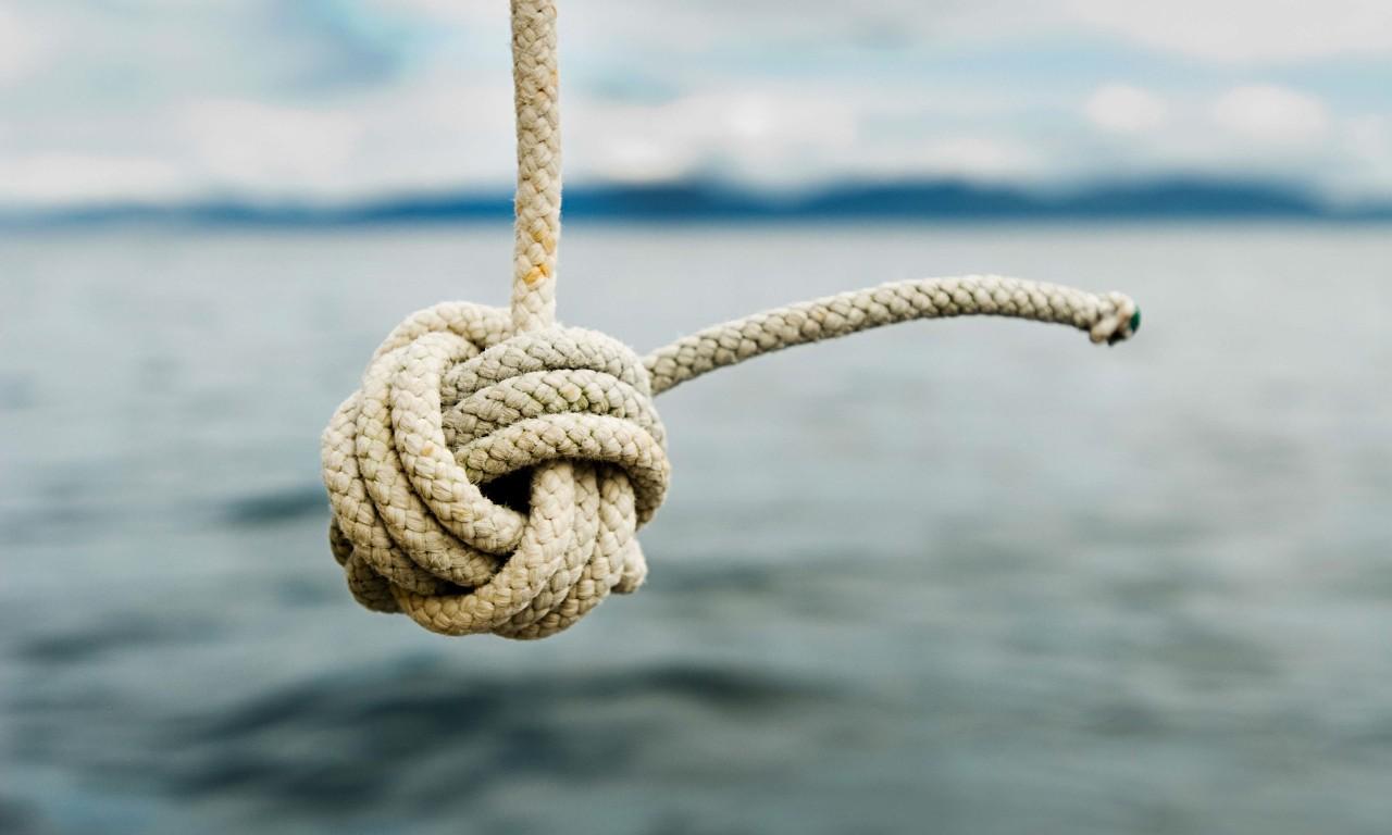 Почему скорость на море определяется в узлах