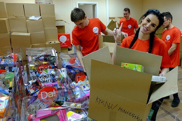 «Когда мы принесли игрушки - ребята забыли про боли и страхи»: Неравнодушные россияне собрали 200 «Коробок Храбрости» для детских больниц