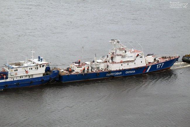 """Больше санкций, хороших и разных: РФ усиливает группировку на Азовском море двумя кораблями проекта """"Светляк"""". ФОТО"""
