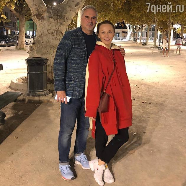 Альбина Джанабаева о старших…