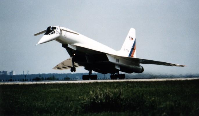 Как пассажирский Ту-144 поте…