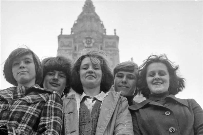 Назад в СССР: советские женщины в общежитии