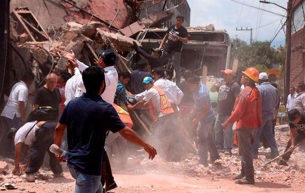 Землетрясение вМексике: более 200 погибших иблэкаут