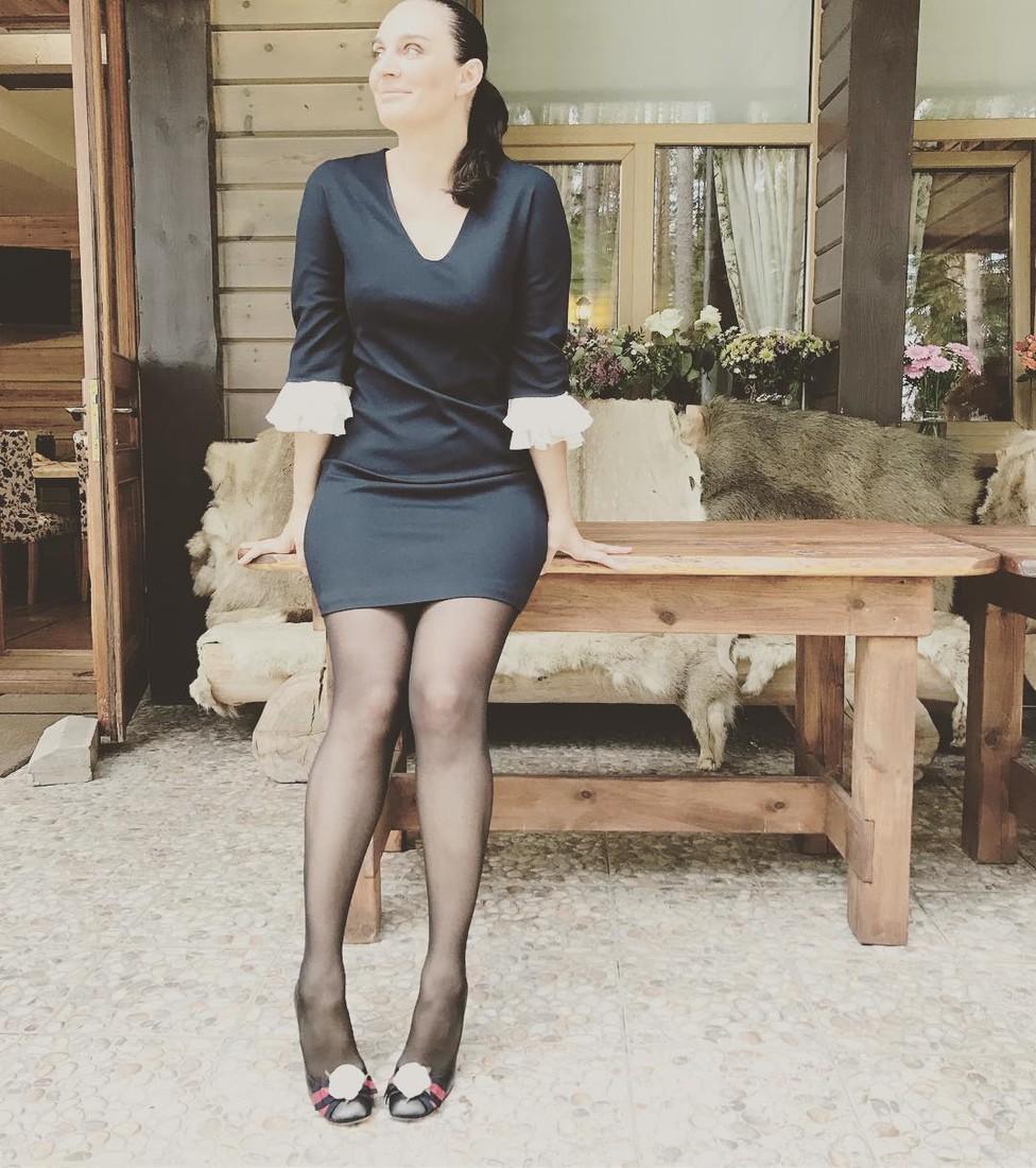 Елена Ваенга похудела, кардинально сменила имидж и предстала перед поклонниками в ультра-мини