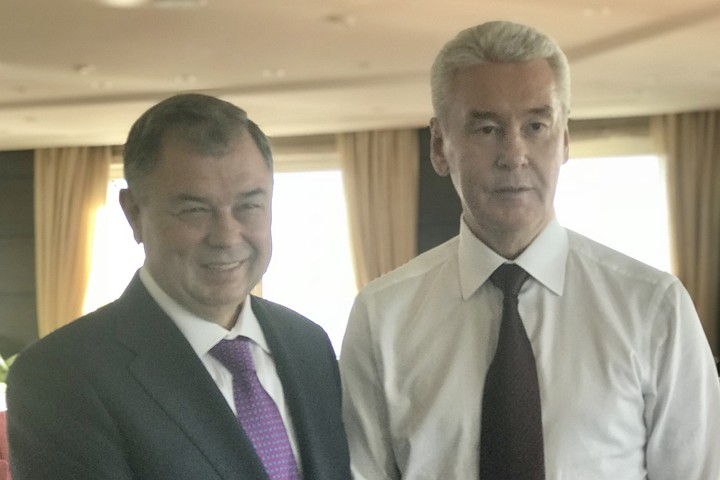 Анатолий Артамонов провел рабочую встречу с Сергеем Собяниным