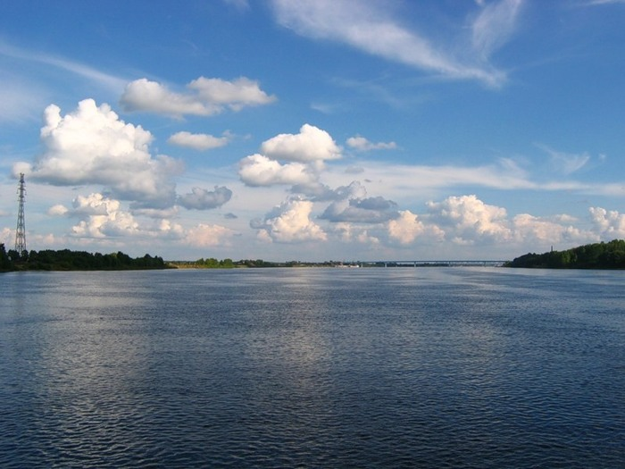 Россия! Моя Россия! Течет река Волга!