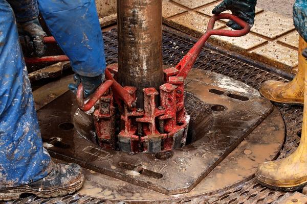 Министр энергетики ОАЭ призвал неопасаться переизбытка сланцевой нефти