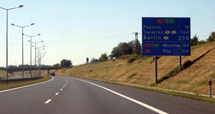 """Польша приняла закон о """"чистых зонах"""", за въезд в которые владельцам транспорта с ДВС придется платить"""
