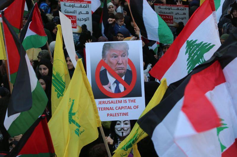 США толкают Ливан в объятия Ирана и России