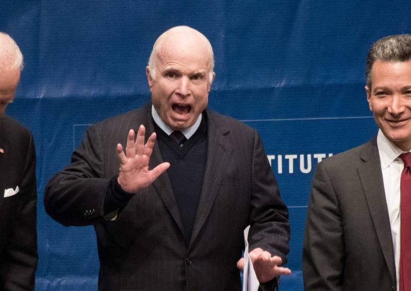 Маккейн предупредил Багдад о «суровых последствиях»