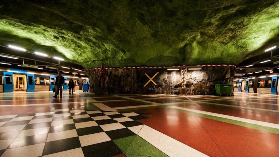 MetroStations50 17 самых волшебных станций метро со всего мира