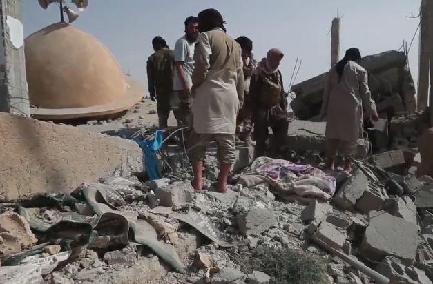 При авиаударах коалиции во главе с США по Сирии погибли более 60 человек