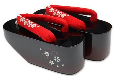 Гэта - традиционная японская обувь