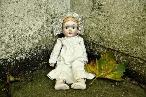 Британский городок не спал по ночам из-за жуткого детского пения