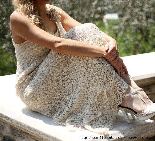 Вяжем ажурное платье для