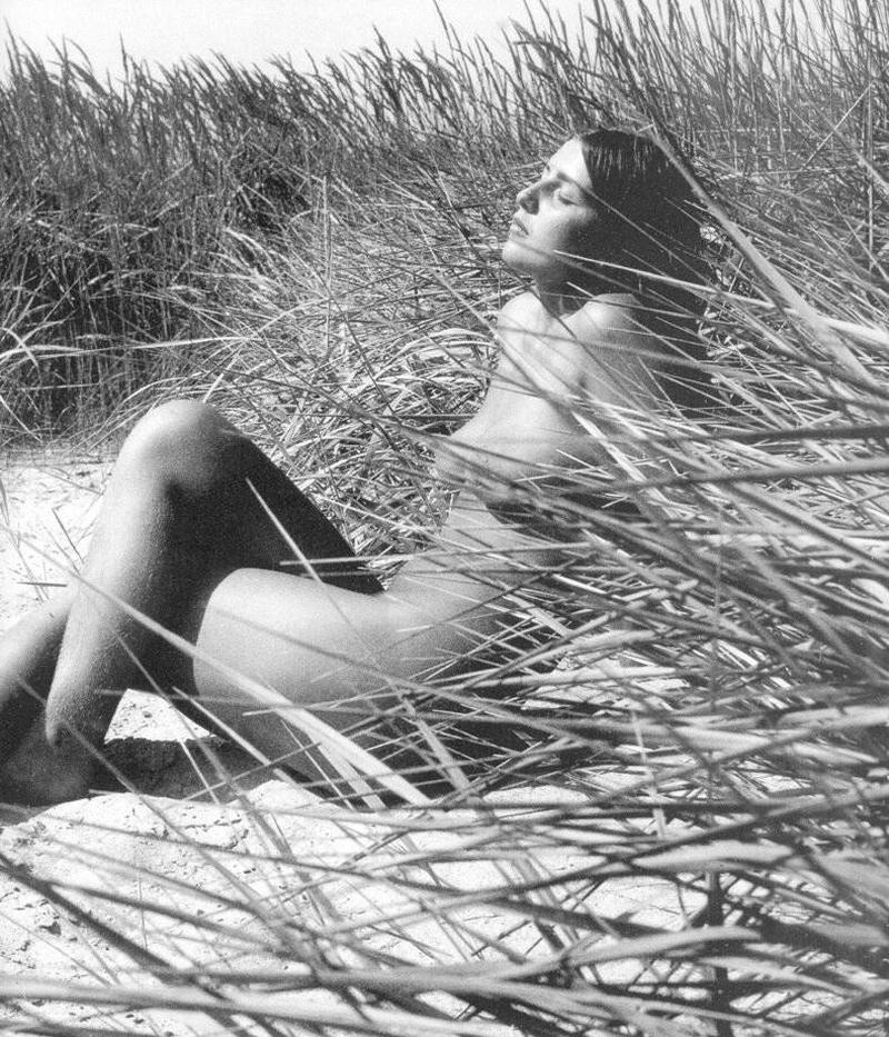 «Цветы среди цветов» Римантаса Дихавичюса – первые фотографии ню в СССР 27