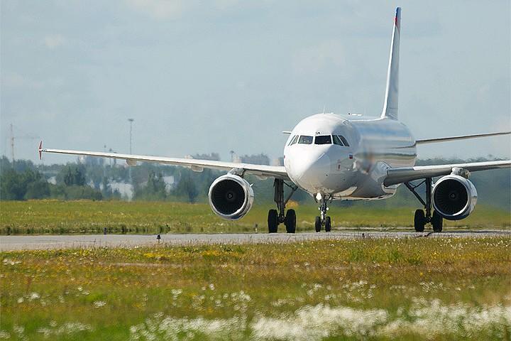 Сбербанк и ВТБ создадут авиакомпанию: Зачем это двум крупнейшим госбанкам