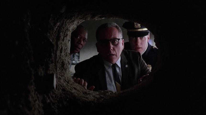 """""""Муж Шоушенка"""" 15 лет рыл туннель из супружеской спальни до ближайшего паба"""