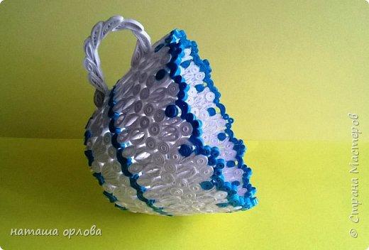 Чайная чашка в бело-голубых тонах