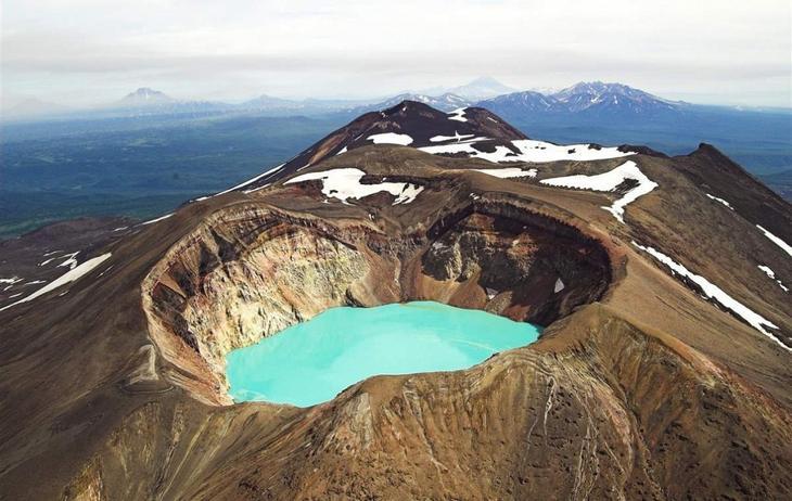 Вулкан Малый Семячик, полуостров Камчатка, Россия