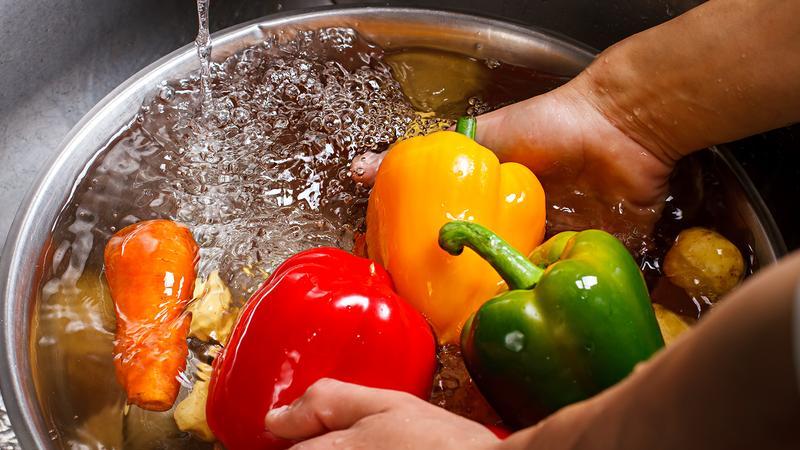 Как очистить продукты от пестицидов