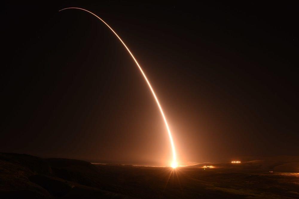 США взорвали свою ракету за семь миллионов долларов