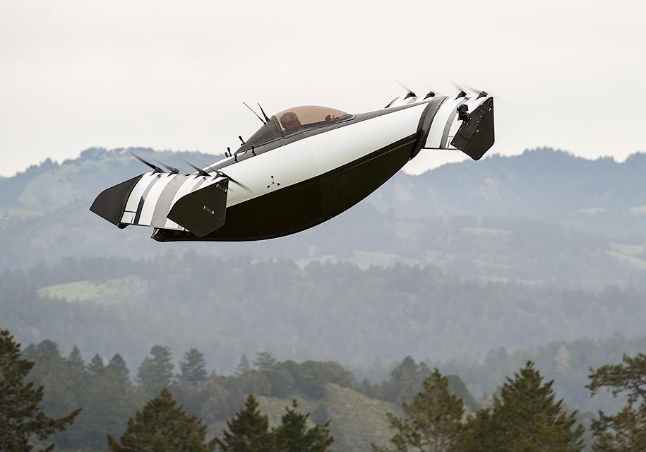 """В США сделали """"летающую машину"""" с вертикальным взлетом"""