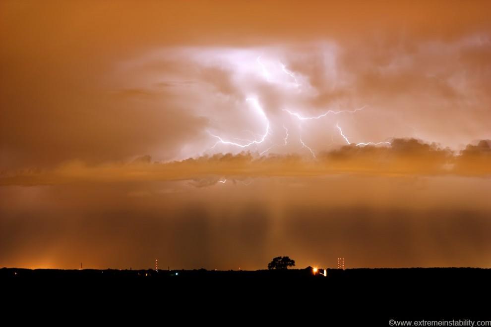 1599 990x660 Когда бьет молния