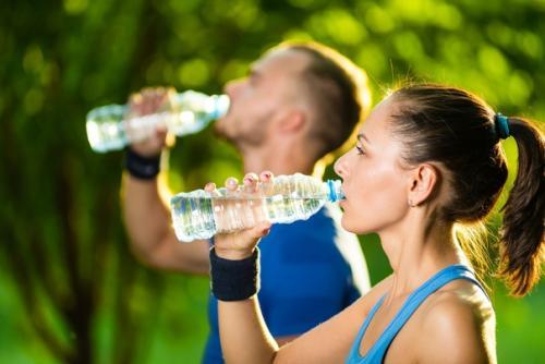 Можно ли пить воду во время тренировки