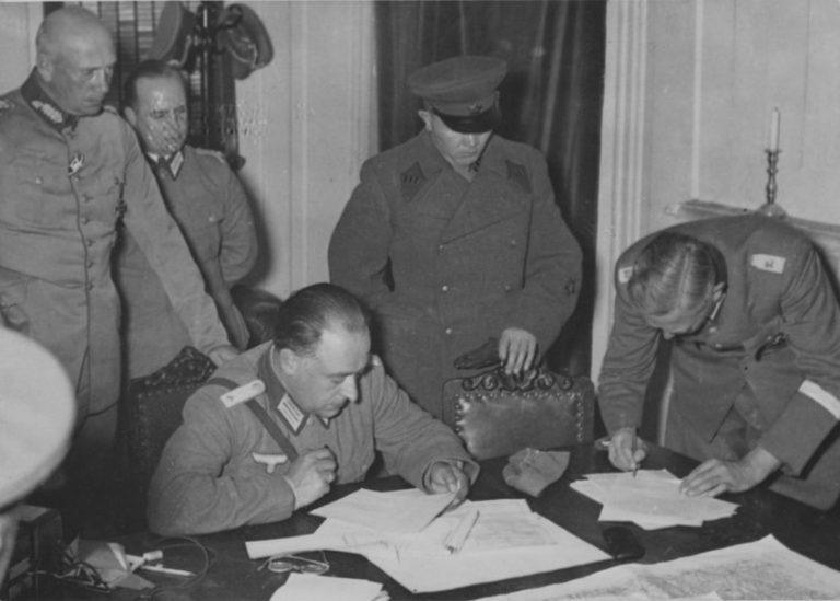 Секретные переговоры СССР и нацистской Германии в разгар войны
