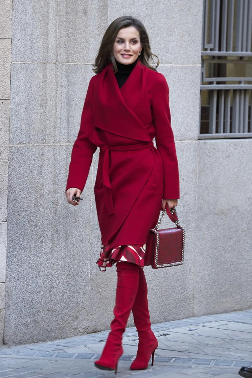 Модные пальто 2018. Тренд № 1: Lady in Red