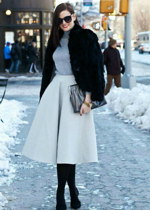 Элегантная юбка миди.   Фото: Favourite Store.