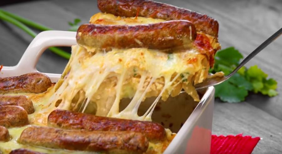Запекаем колбаски с сыром в …