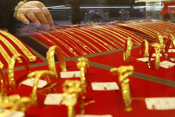 Две женщины пытались тайно вывезти из Китая 8 кг золота