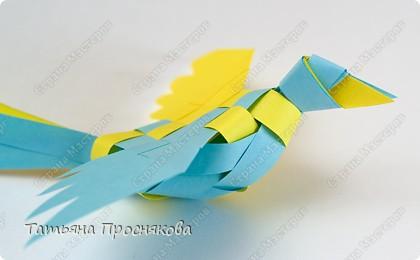 Плетеная птица из бумаги