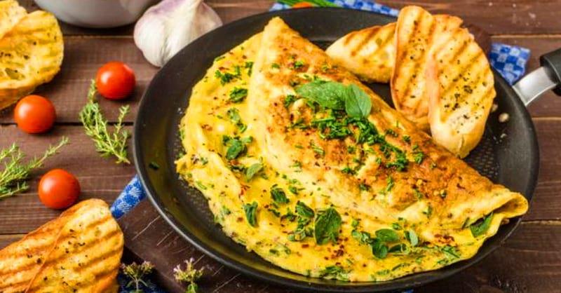 Французский омлет: вкусный и полезный завтрак.