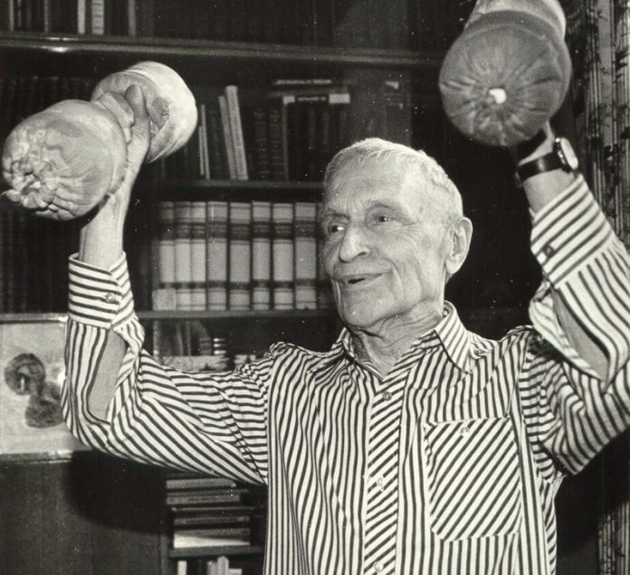 Делайте эти 10 упражнений академика Амосова и вы всегда будете здоровы