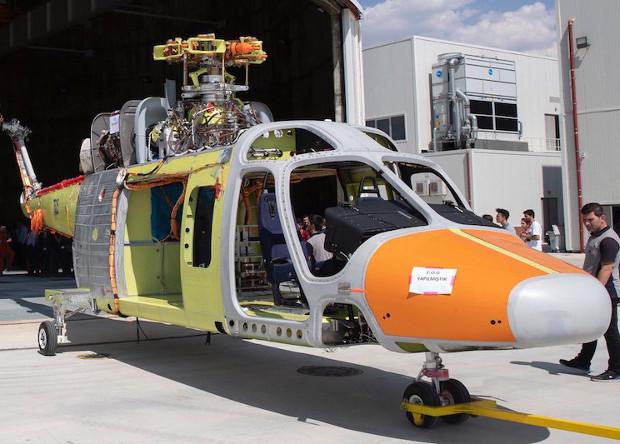 Турки показали прототип первого вертолета собственной разработки