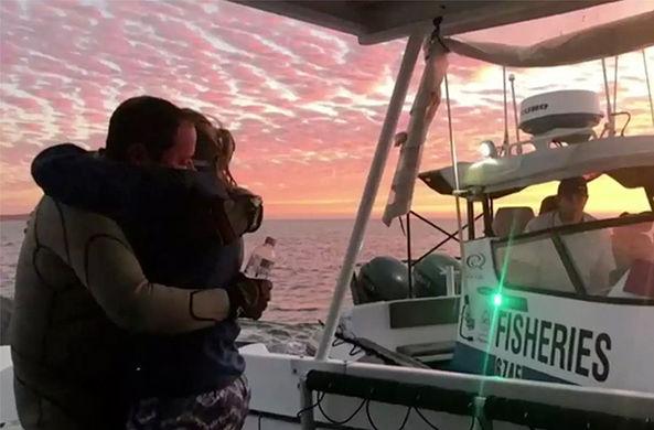 Акула у берегов Австралии устроила погоню за потерявшим лодку рыбаком