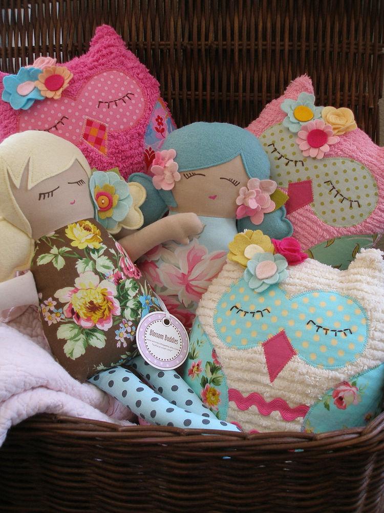 Декоративные подушки для создания уюта в детской комнате: идеи для творческих мам