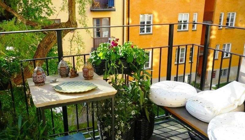 Самые красивые миниатюрные балконы
