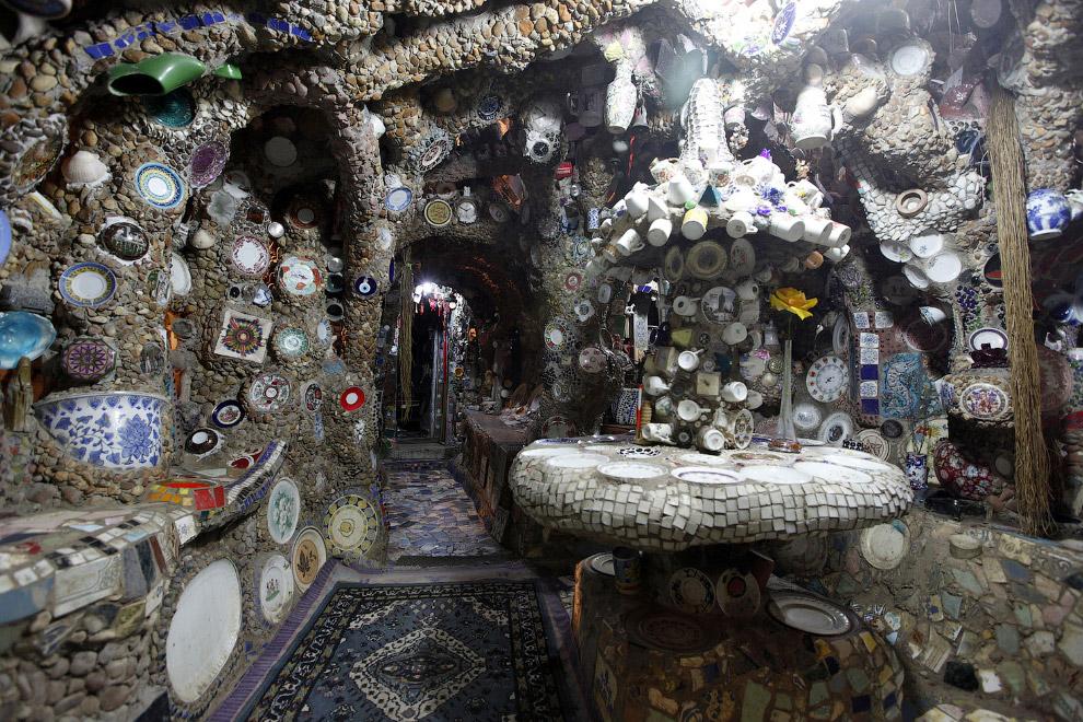 Дом из камня, который соорудил себе бразильский садовник в трущобах Сан-Паулу