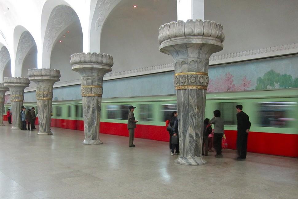 MetroStations24 17 самых волшебных станций метро со всего мира