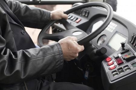 Пьяный водитель маршрутки вез пассажиров до аэропорта