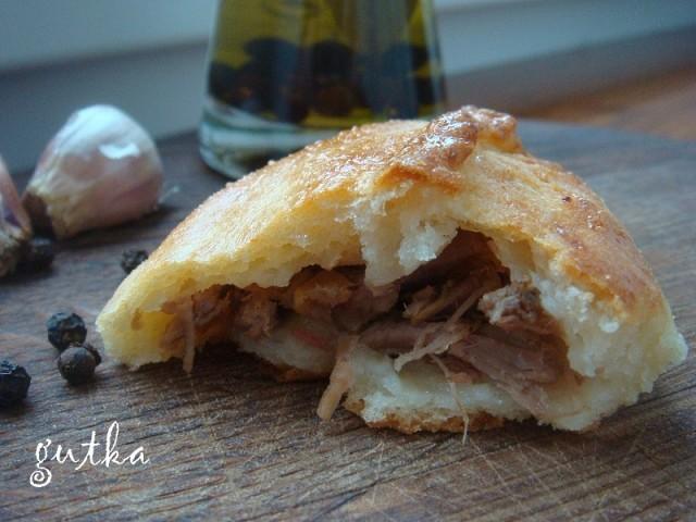Творожные пирожки с мясом